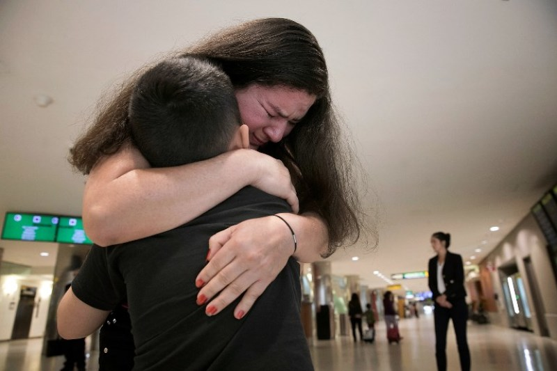 Deja EU a 711 niños migrantes separados