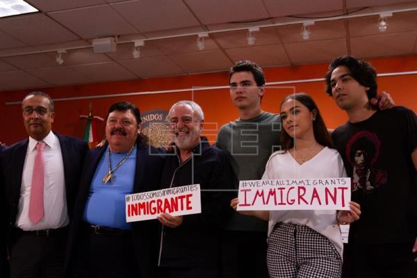 Músicos mexicanos lanzan una campaña a favor de los inmigrantes